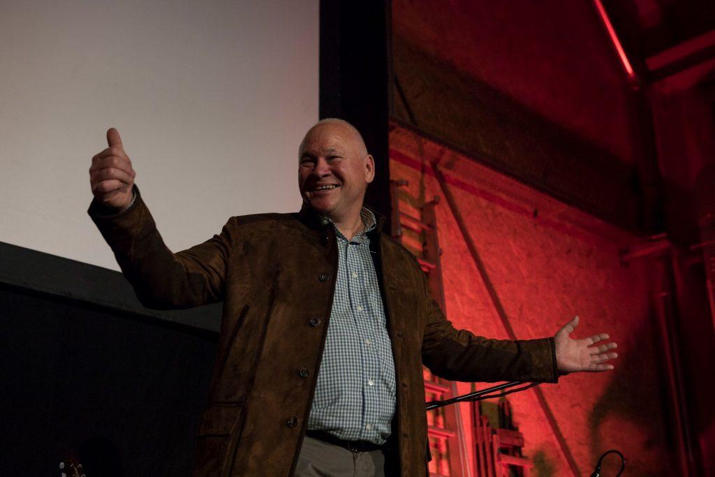 Chef Escher begrüsst das Publikum