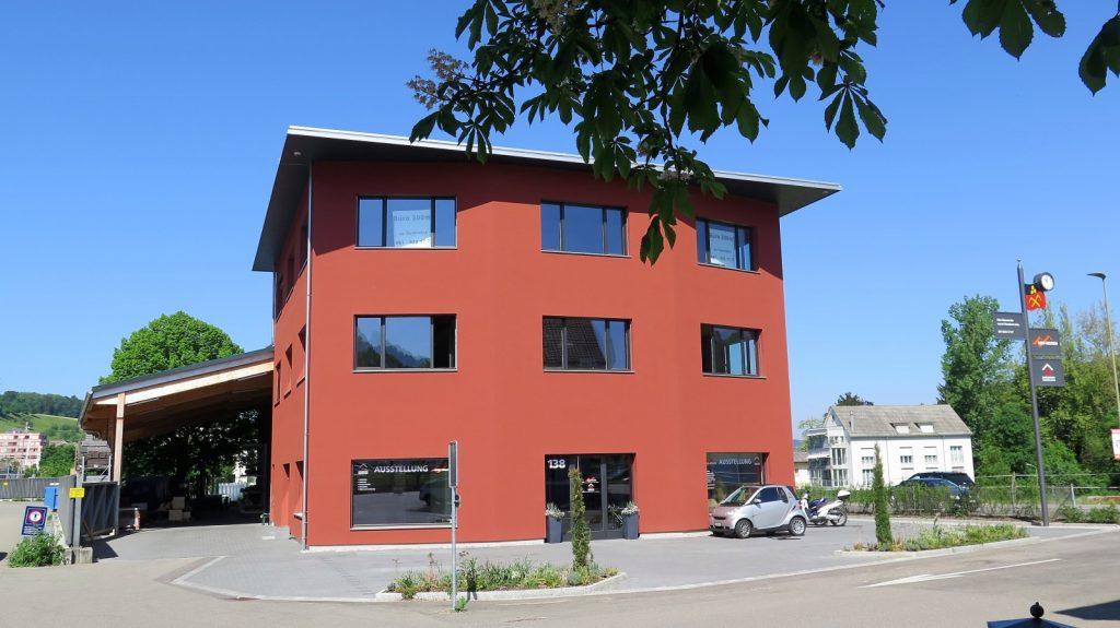 Gewerbehaus an Hauptstrasse