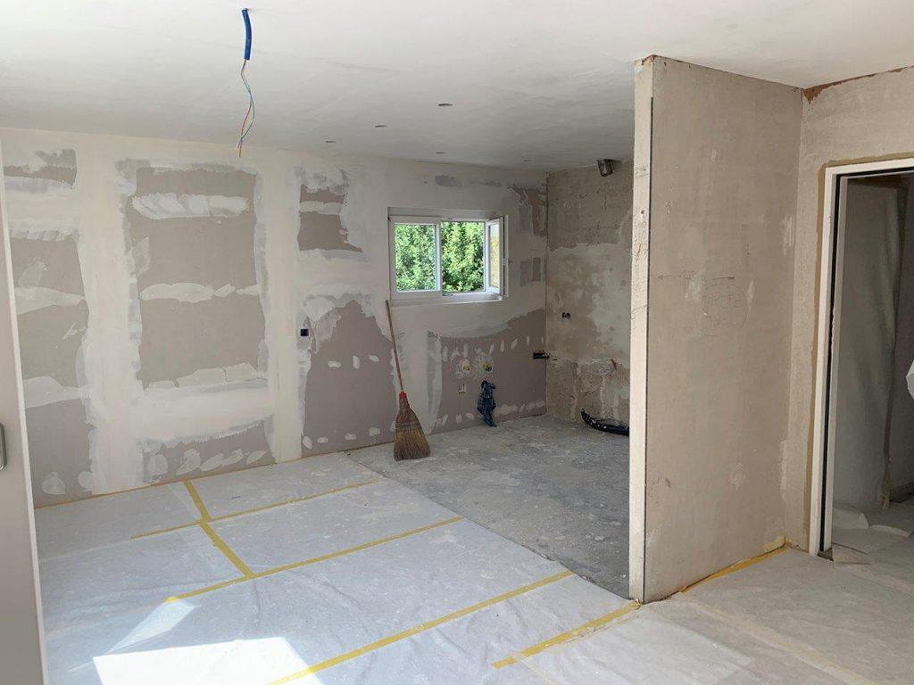 Die Wände werden verputzt